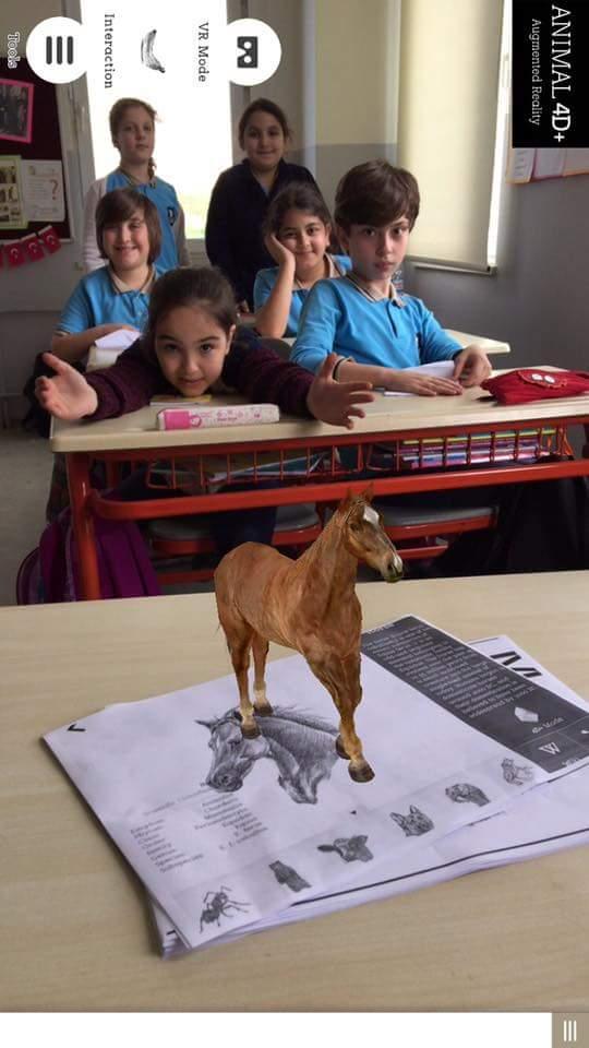 Öğrencilerimiz İngilizce dersinde