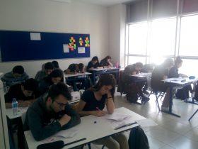 12. Sınıf öğrencilerimiz haftalık olarak düzenli bir şekilde 1.oturum ve 2. oturum denemelerini oluy