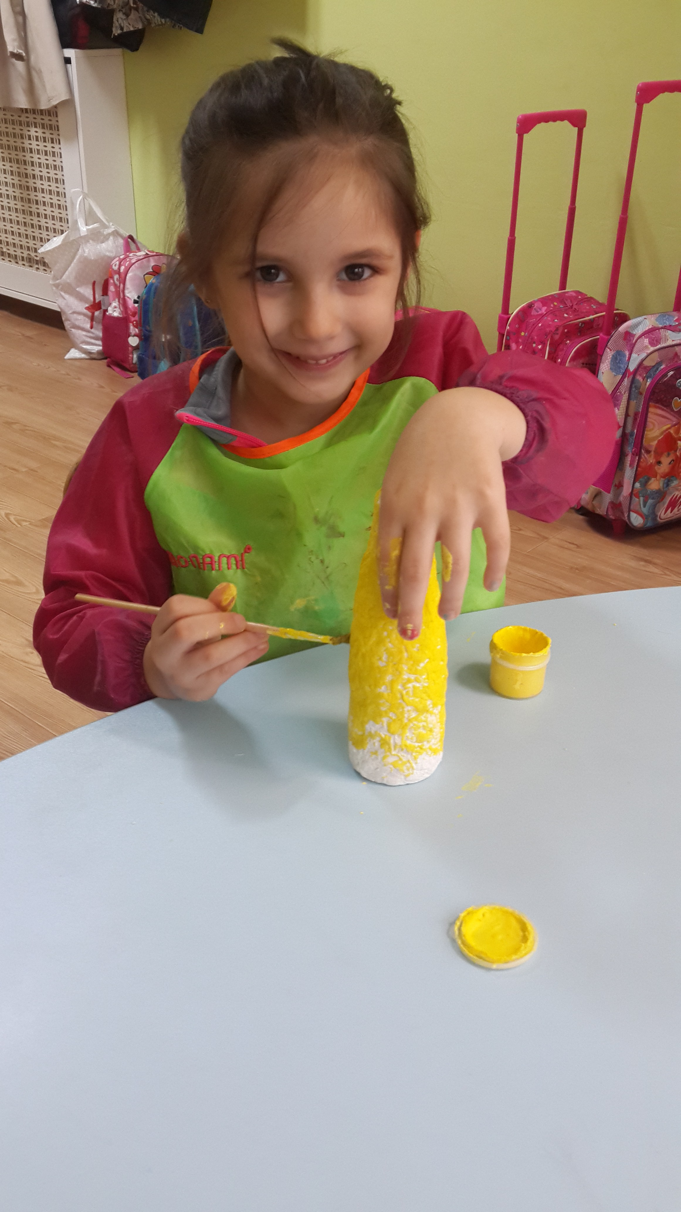 Soda Şişeleri ve Seramik Hamuruyla Yapılan Vazolarımız
